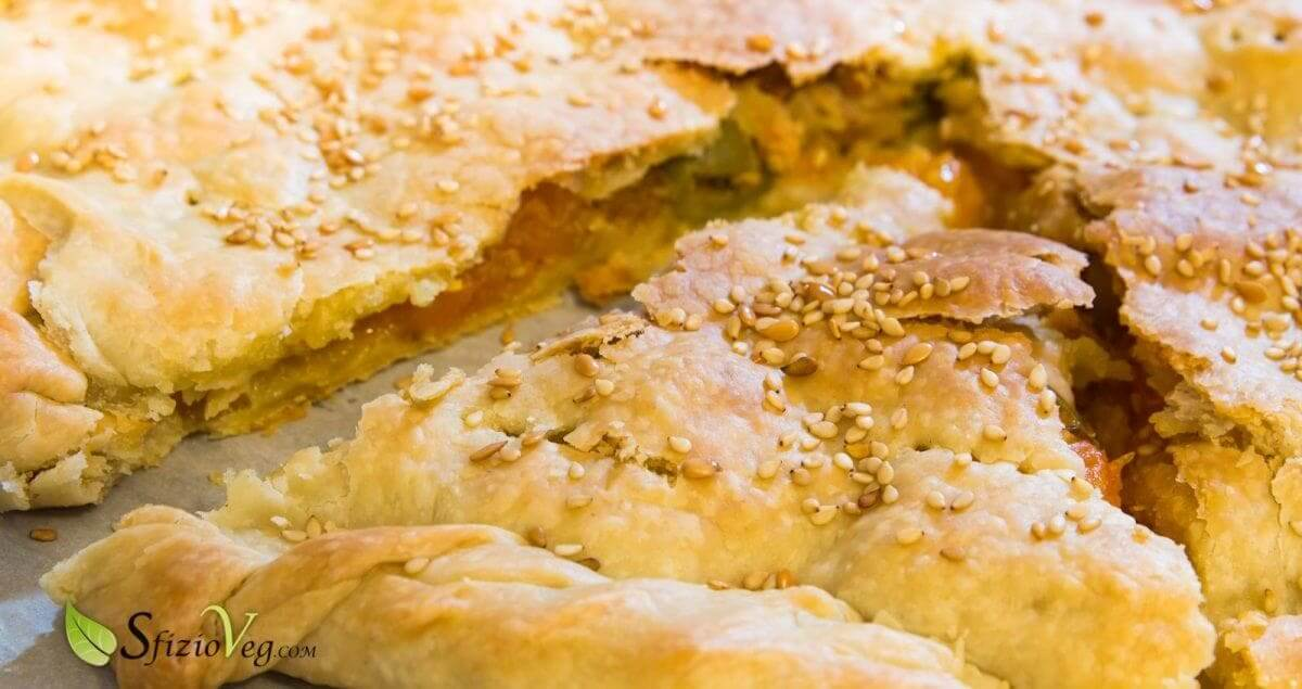 Pizza rustica o torta rustica con zucca champignon e olive