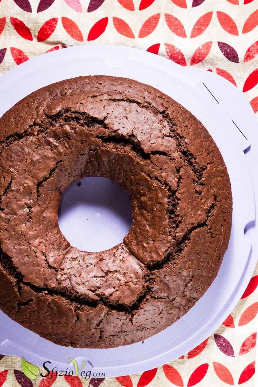 Ciambella al cioccolato senza uova – Ricetta Vegan 3