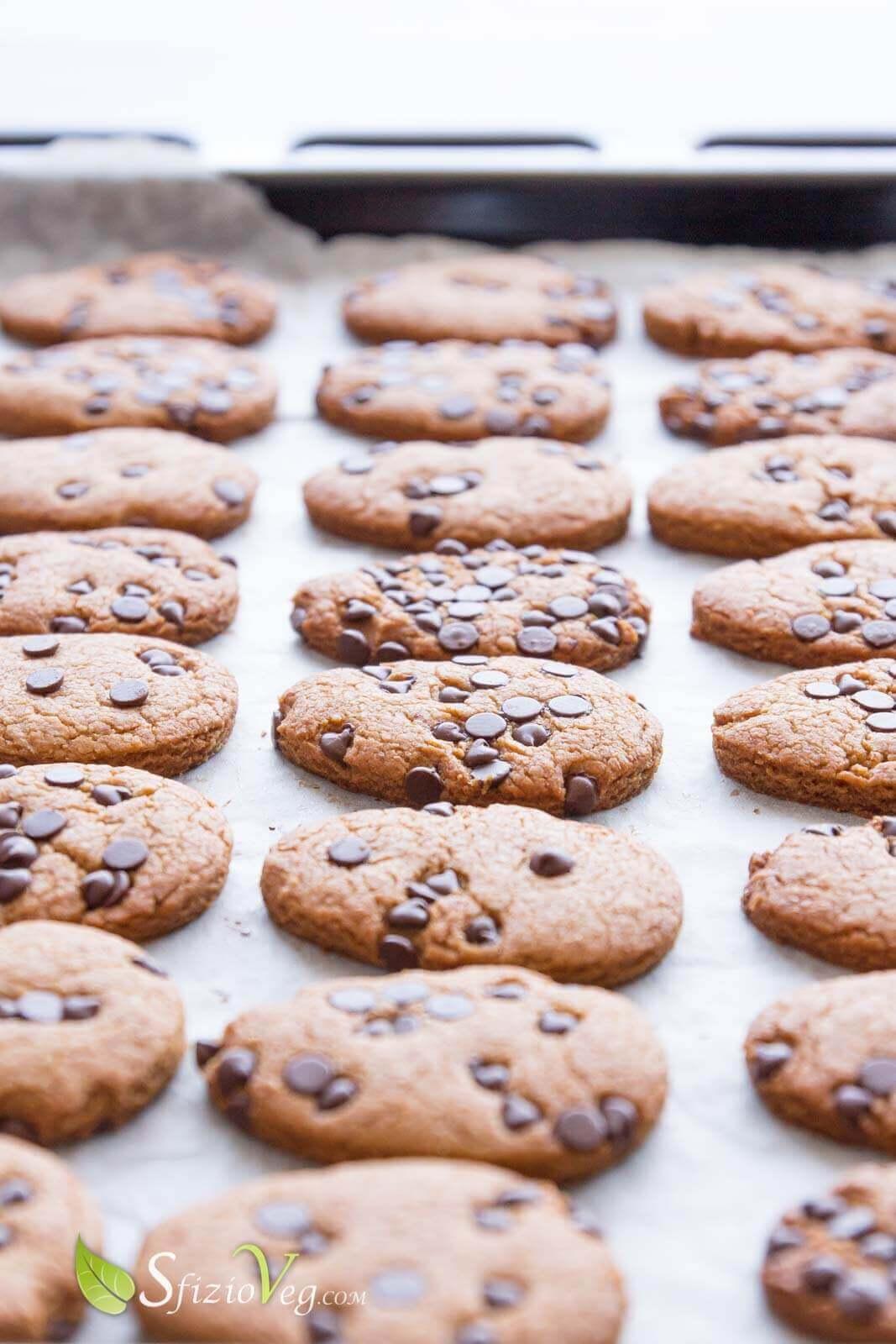 biscotti con gocce di cioccolato 2