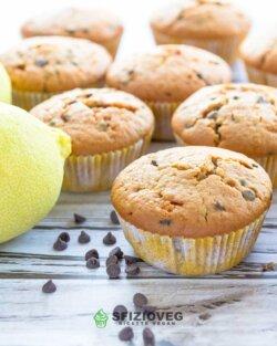 Muffin vegani al limone con gocce di cioccolato